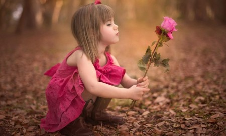 cute_little_girl_rose