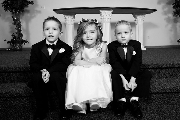 2-the-kids-bw-storieo