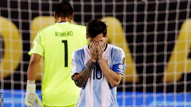 leo-messi_handsoverface_reuters