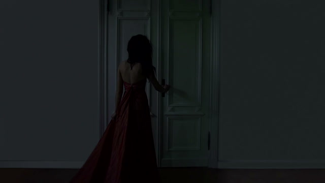 door-horror-story-girl
