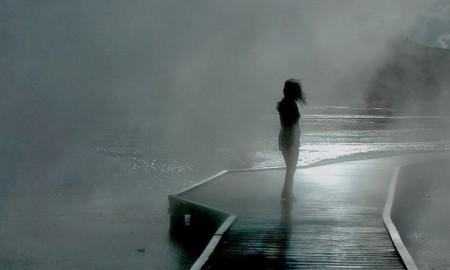chainimage-alone-girl-in-dark-wallpaper-1