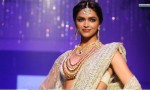 deepika-padukone-in-white-saree-wearing-jewellery-e1447485968624
