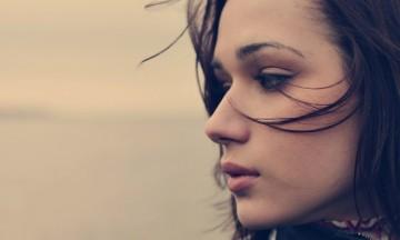 brunette_profile_person_sad_sight_63885_1920x1200