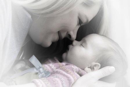 newborn-baby-mother-adorable-